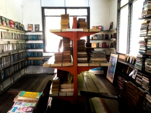 The books are stored rooms made with wood, adding elements to the vintage feel and look.